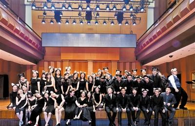 彩虹合唱团成员各有职业-叶澄波 这不是 一首骂老板的歌 组图